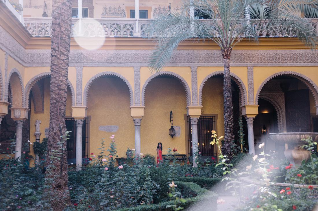 Visiting Palacio de Las Duenas